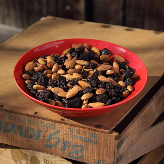 Roasted *Almonds w/*Raisins *Organic R & R 1 lb-0