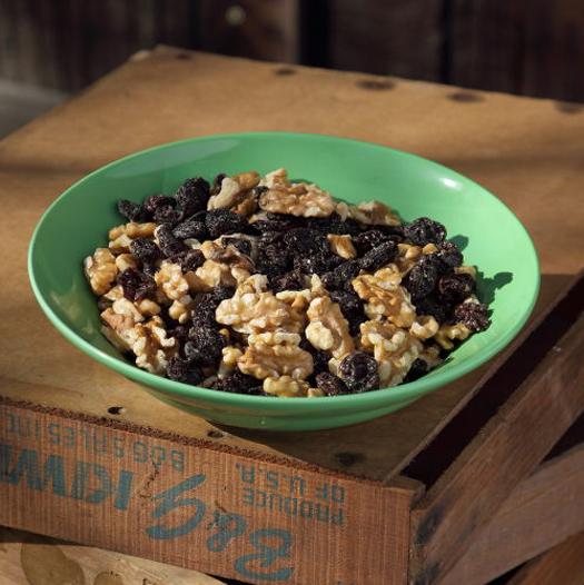 Organic Walnuts w/ Organic Raisins 1/2 lb-0