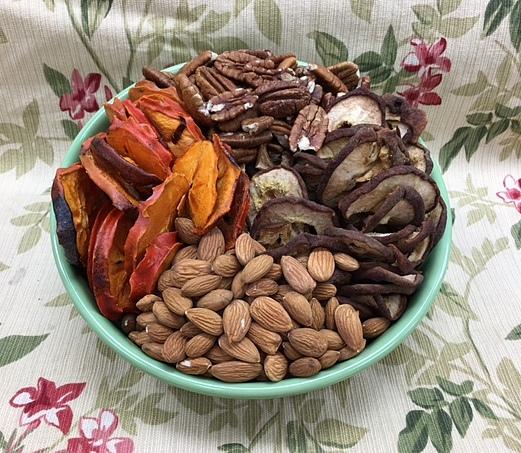 Bowl Organic Nuts & Organic Dried Fruit 2 lbs-0